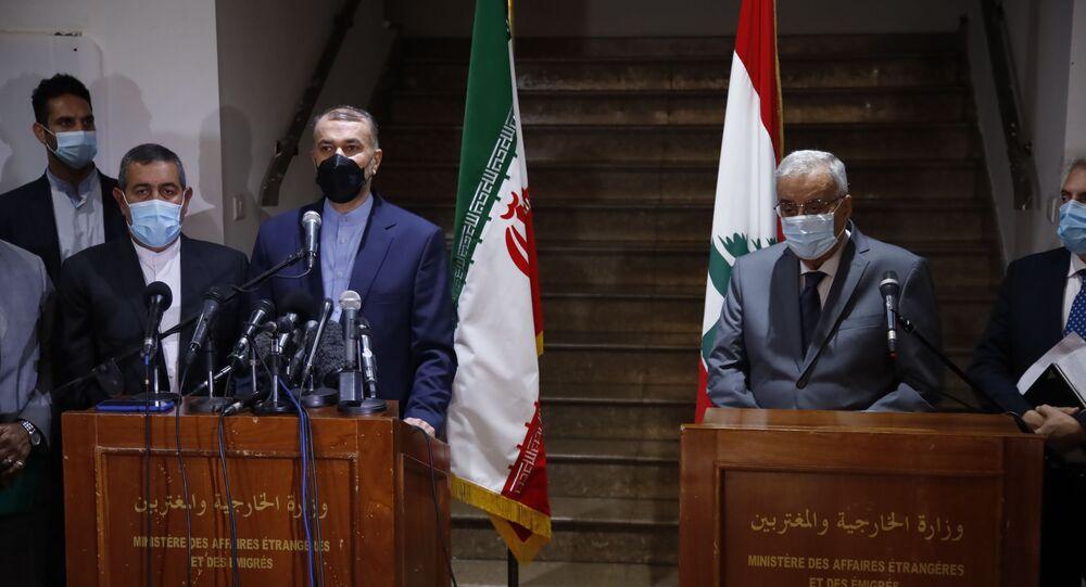 مؤتمر صحفي مشترك لوزير الخارجية اللبنانية عبد الله بو حبيب ووزير الخارجية الإيراني حسين أمير عبد اللهيان في بيروت، لبنان 7 أكتوبر 2021