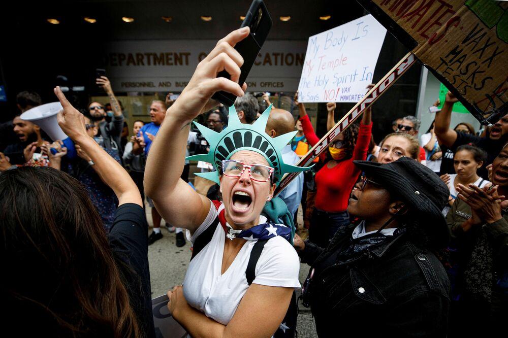 مظاهرة ضد التطعيم بلقاح كورونا في نيويورك، الولايات المتحدة 4 أكتوبر 2021