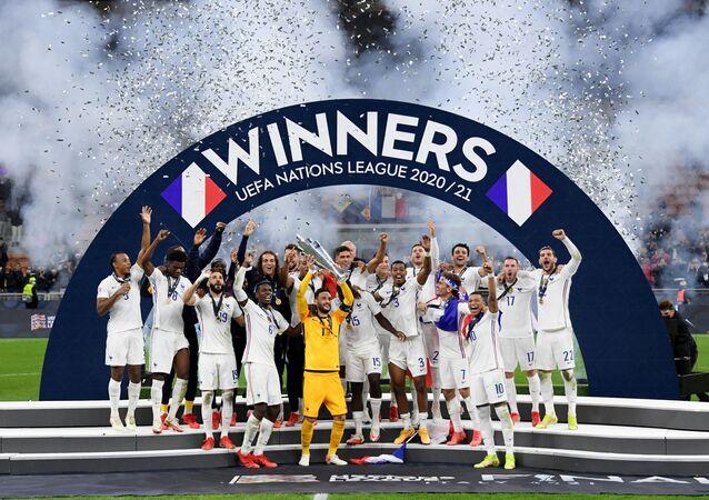 المنتخب الفرنسي يتوج ببطولة دوري الأمم الأوروبية للمرة الأولى في تاريخه بعد فوزه على نظيره الإسباني