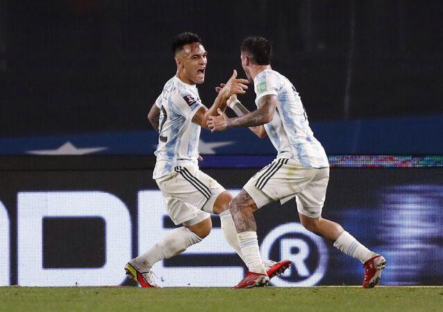 لاعب الأرجنتين، لاوتارو مارتينيز في مباراة أورغواي، 10 أكتوبر/ تشرين الأول 2021