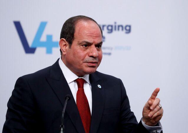 الرئيس المصري، عبد الفتاح السيسي، خلال كلمته في قمة فيتشغراد في بودابست، المجر، 12 أكتوبر/ تشرين الأول 2021