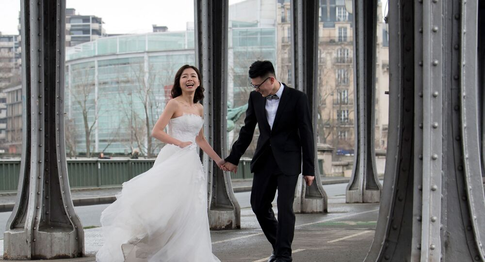 عروسين صينيين