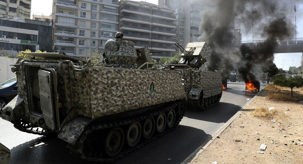 قوات الجيش اللبناني تنتشر في حي الطيونة، بيروت، لبنان 14 أكتوبر 2021