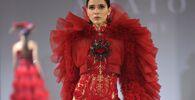 عارضات أزياء تقدم مجموعة تصاميم Amato Couture في إطار عرض أسبوع الموضة في دبي في مدينة دبي، الإمارات العربية المتحدة 25 أكتوبر 2021