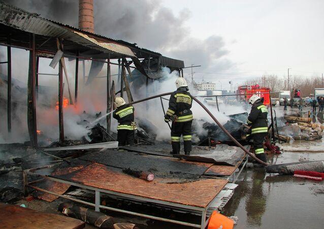 حريق بمركز تجاري في قازان