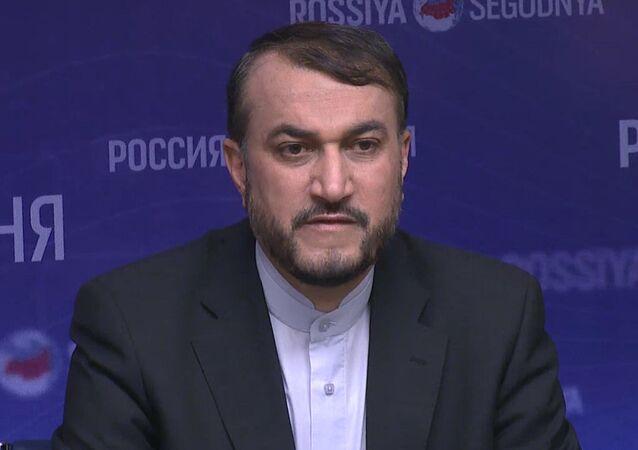 مؤتمر صحفي لمساعد وزير الخارجية الإيراني حسين أمير عبد اللهيان