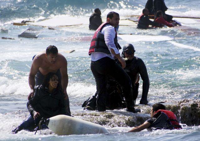 المهاجرين الذين يحاولون الإبحار إلى أوروبا
