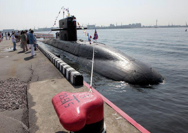 الغواصة غير النووية من مشروع 677 لادا