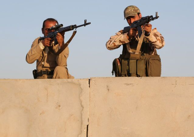 مقاتلون أكراد