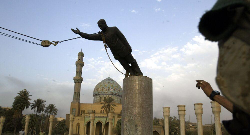 سقوط تمثال صدام حسين