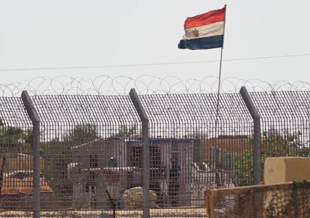 للمزيد من التفاصيل: الحدود الولايات المتحدة الأمريكية تدرس نقل جنودها في مصر من شمال سيناء إلى جنوبها
