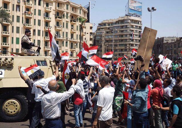 المصريون يفرحون بافتتاح قناة السويس الجديدة