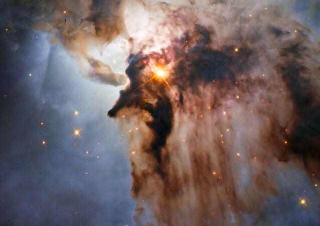 في سديم الكون. لقطة تلسكوب هابل الفضائي