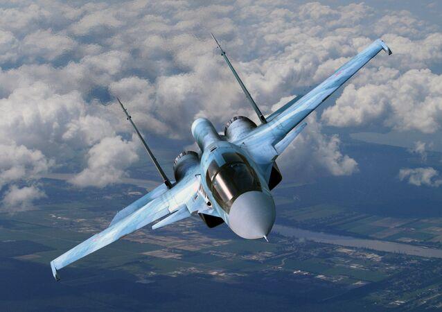 طائرة حربية روسية من طراز سو - 34 (أرشيفية)
