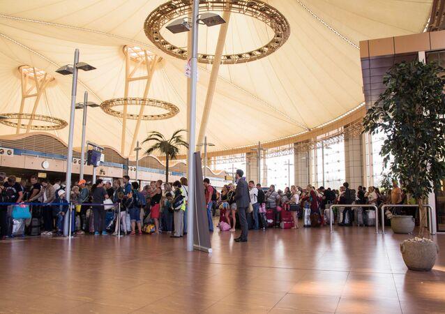 عودة السائحين الروس من مصر
