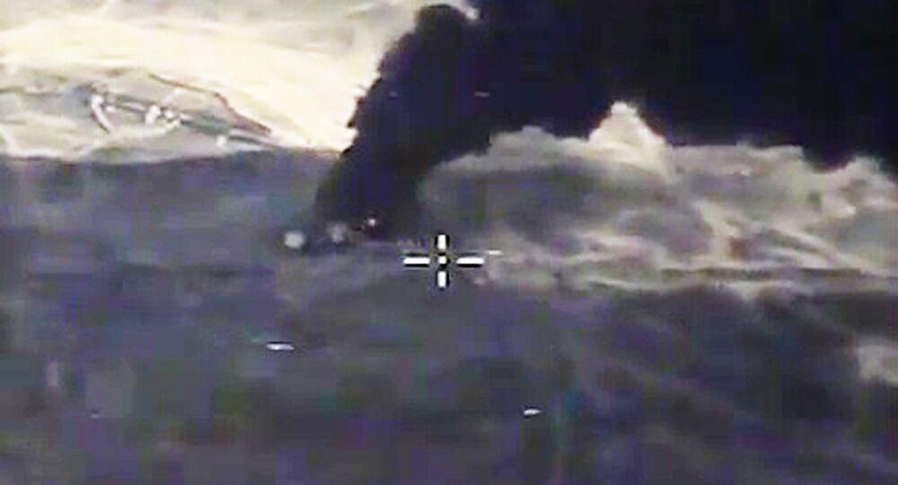 قصف منشأة نفطية تابعة لتنظيم داعش
