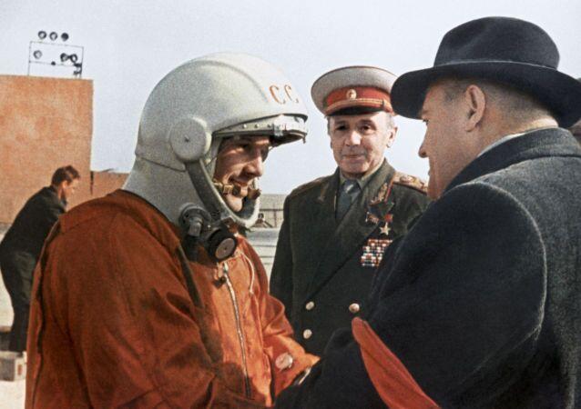 الكلمات الأخيرة من الطيار-رائد فضاء سيرغي كوروليوف للرائد الفضاء الروسي يوري غاغارين