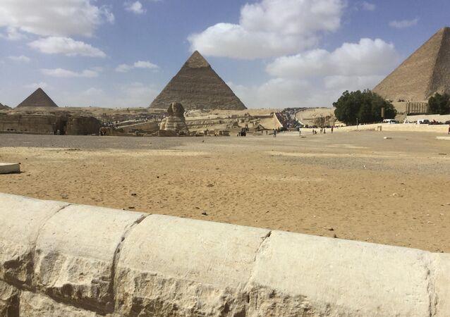 خطة لتنشيط الساحة ـ أهرامات الجيزة ـ مصر