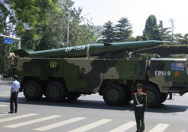 صاروخ بالستي صيني من طراز دونفين-15
