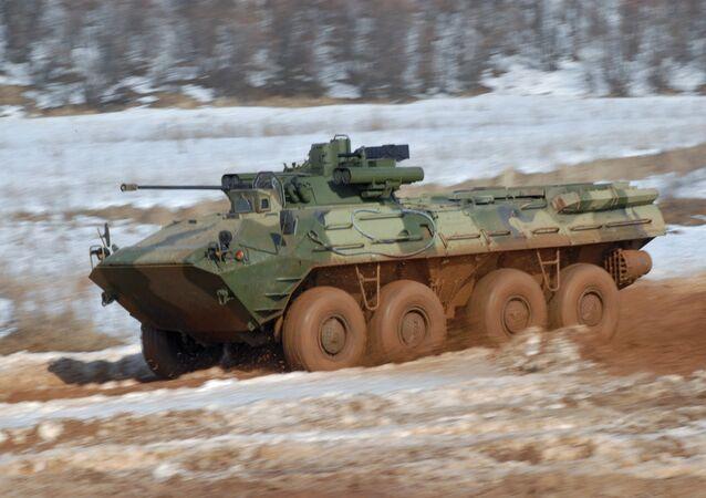 ناقلة الجنود المدرعة بي تي أر-90