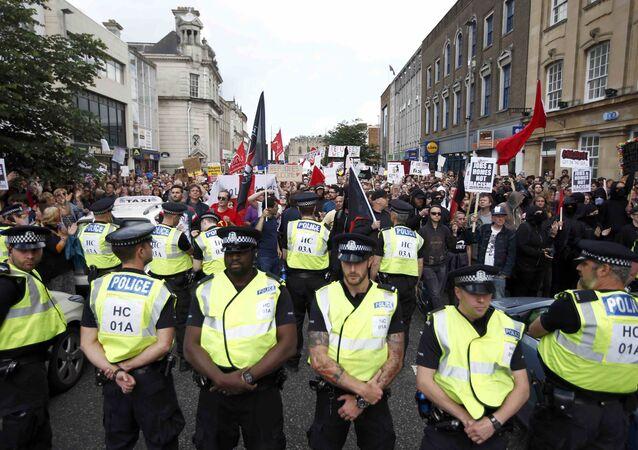 احتشاد البريطانيين بلندن احتجاجا على خروج بريطانيا