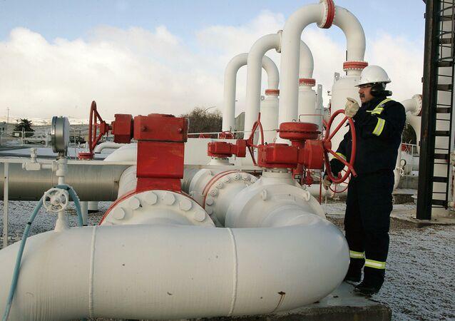 خط الغاز المسمى بـالتيار التركي لنقل الغاز من روسيا إلى أوروبا عبر تركيا