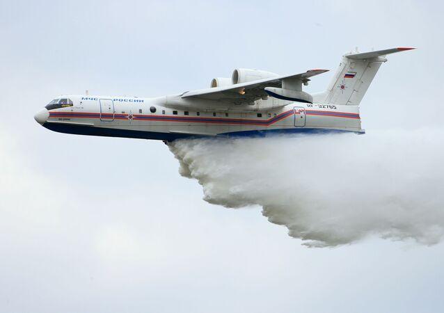طائرة إطفاء حرائق بي-200 تشي إس