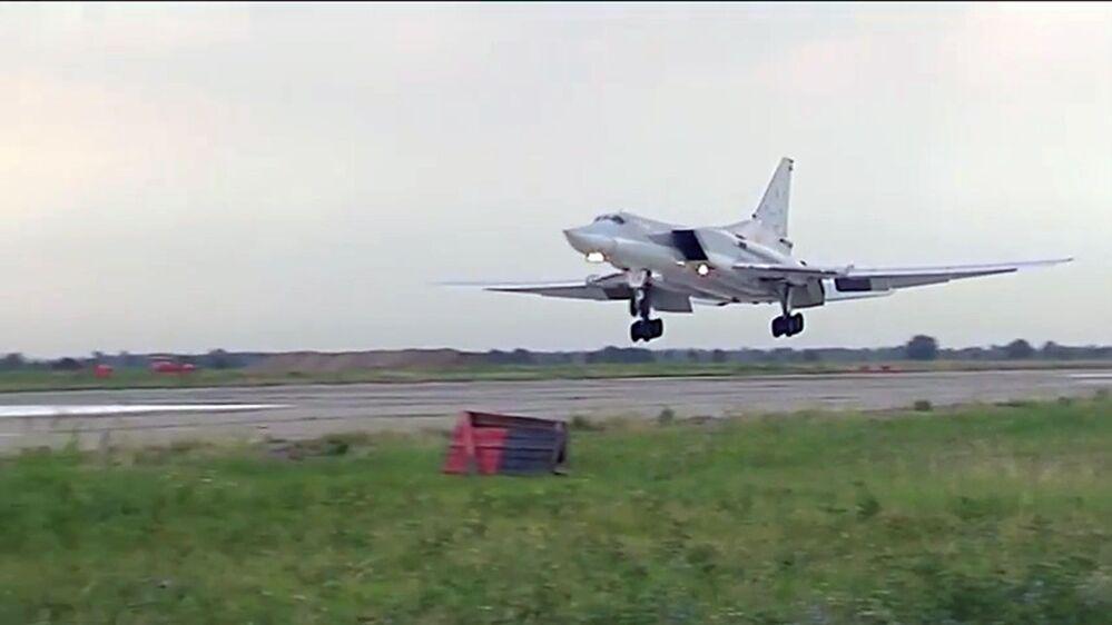 قاذفة تابعة للقوات الجوية الروسية فى سوريا