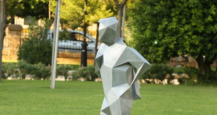 حديقة تتحول إلى معرض فني في بيروت