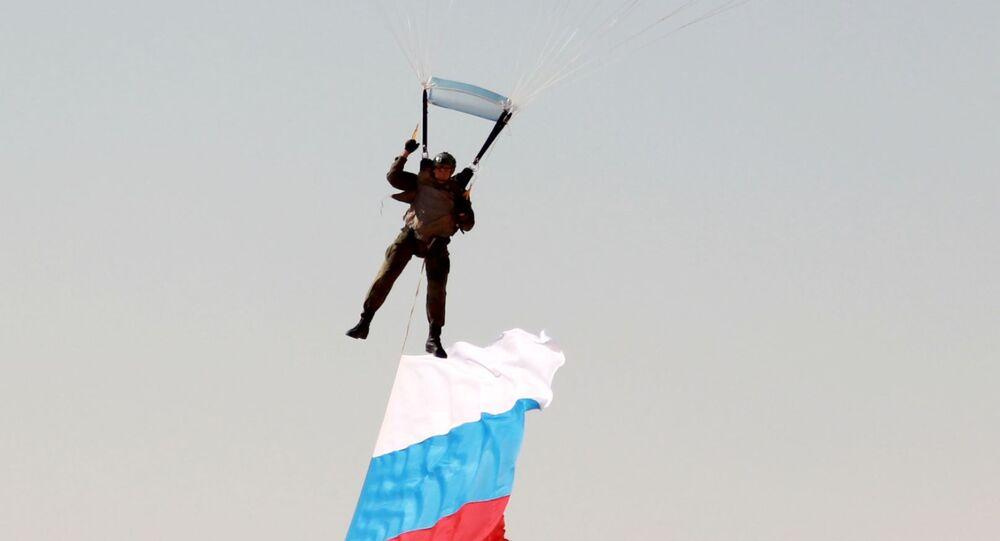 رفع العلم الروسى فى السماء المصرية خلال مناورات حماه الصداقة