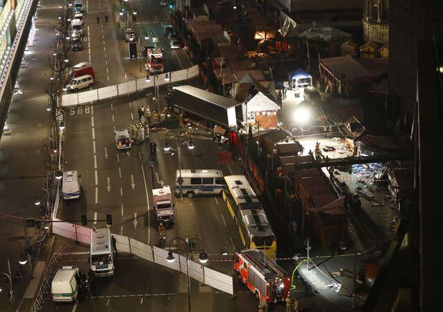 موقع دهس شاحنة حشدا من الناس في برلين