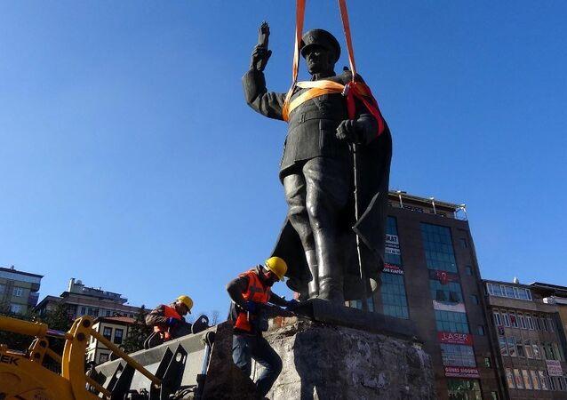 تمثال أتاتورك