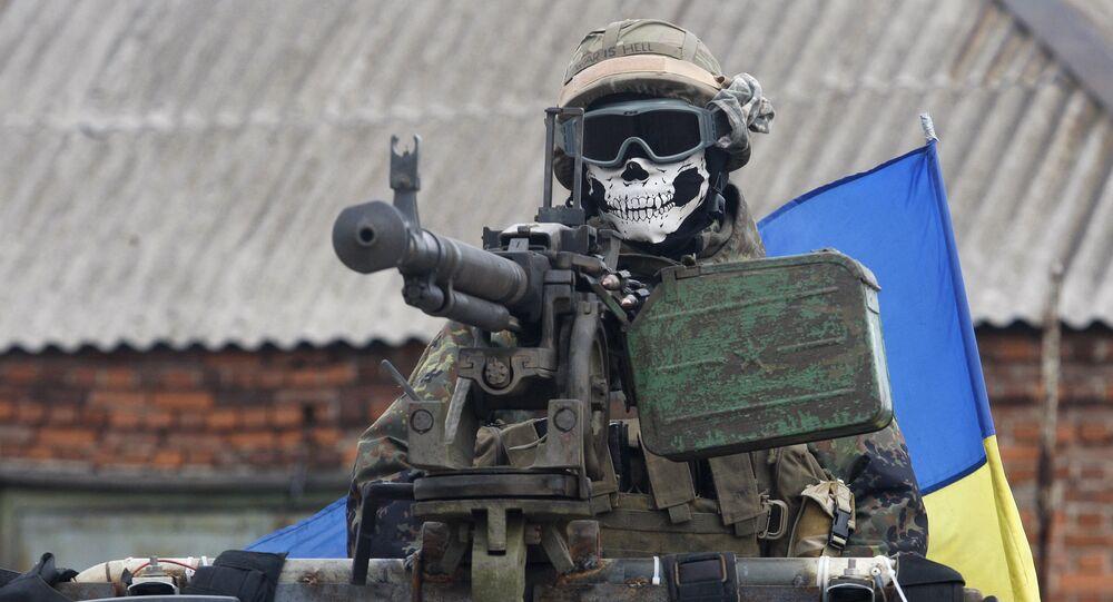عسكري أوكراني قرب بلدة ديبالتسيفو