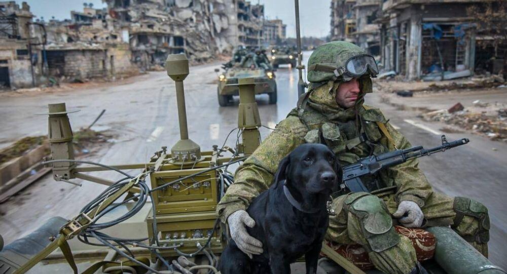واصل المهندسون العسكريون للقوات المسلحة الروسية العمل على إزالة الألغام