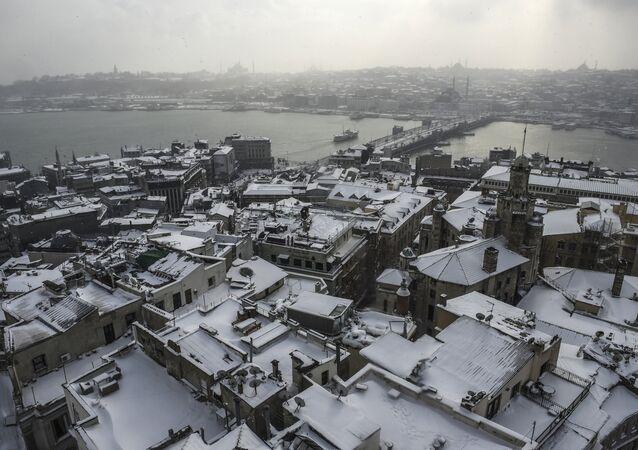 تساقط الثلوج على مدينة اسطنبول