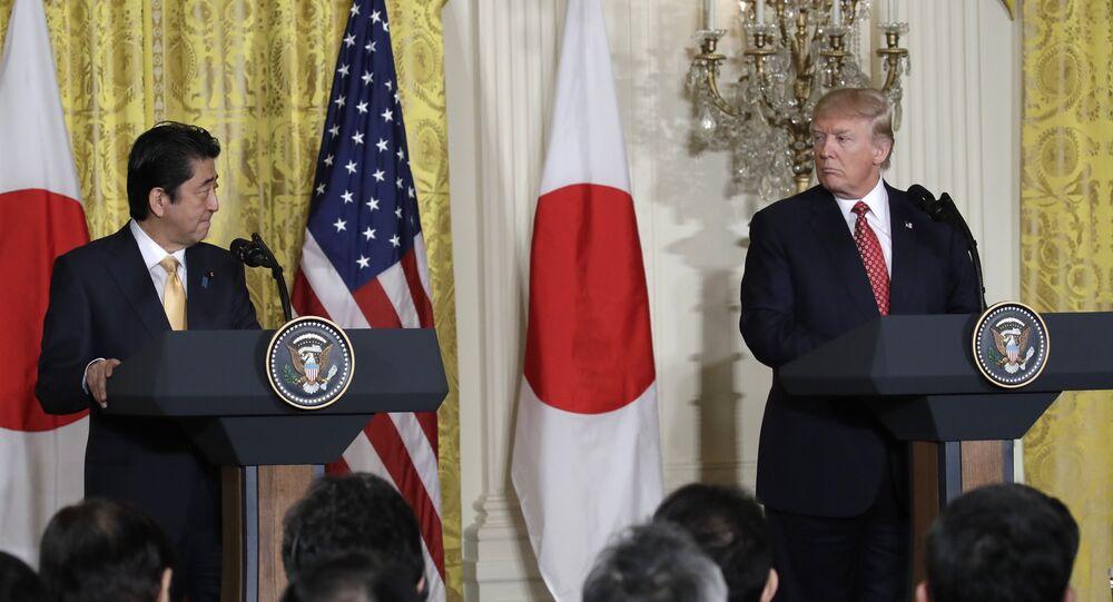 دونالد ترامب و شينزو آبي