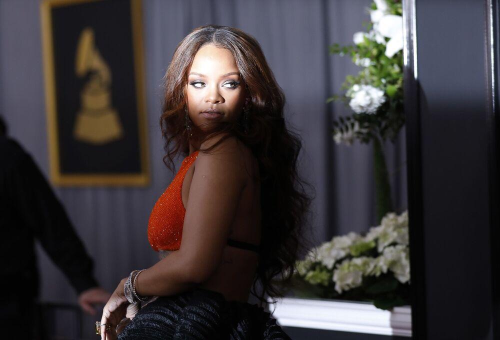 أعضاء الفرقة الموسيقية Rihanna خلال الحفل الـ 59 لتوزيع جوائز غرامي الموسيقية في لوس أنجلوس، كاليفورنيا، الولايات المتحدة 12 فبراير/ شباط 2017