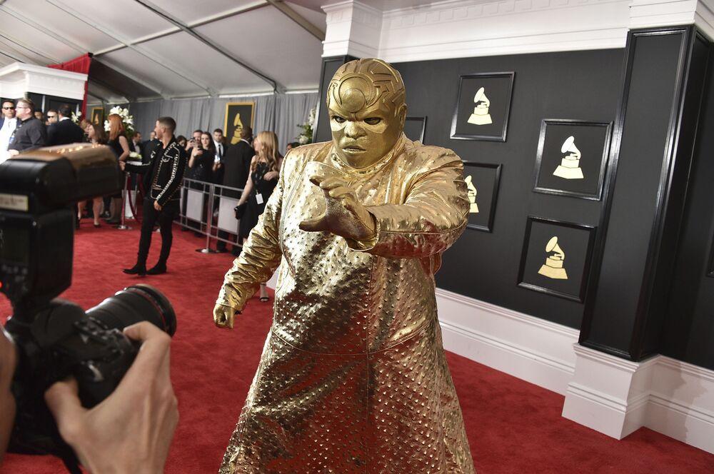 المغني سي لو غرين (CeeLo Green) الحفل الـ 59 لتوزيع جوائز غرامي الموسيقية في لوس أنجلوس، كاليفورنيا، الولايات المتحدة 12 فبراير/ شباط 2017