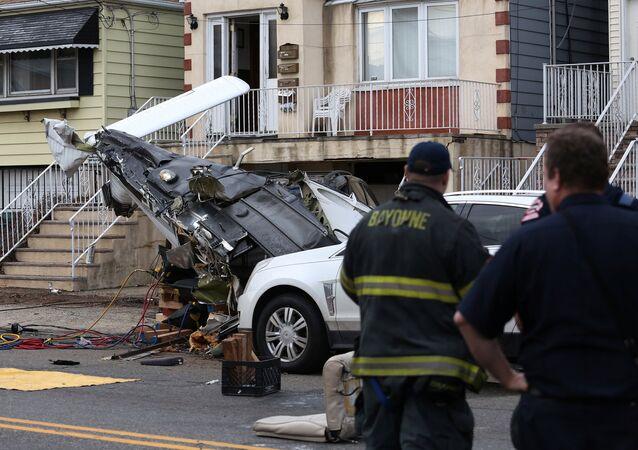 سقوط طائرة  خفيفة بولاية نيو جيرسي