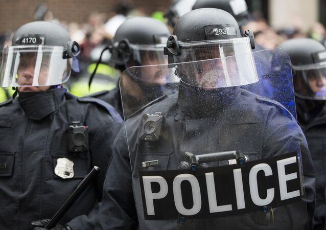 Police officers, Washington, DC.