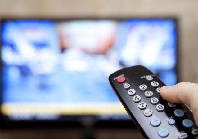 التحكم في جهاز التلفزيون عن بعد