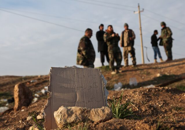 مقبرة لأحد ضحايا داعش بالعراق