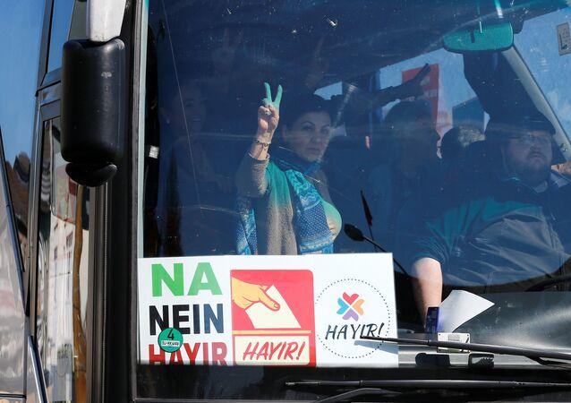 أتراك يصوتون على تعديل دستور بلادهم في ألمانيا