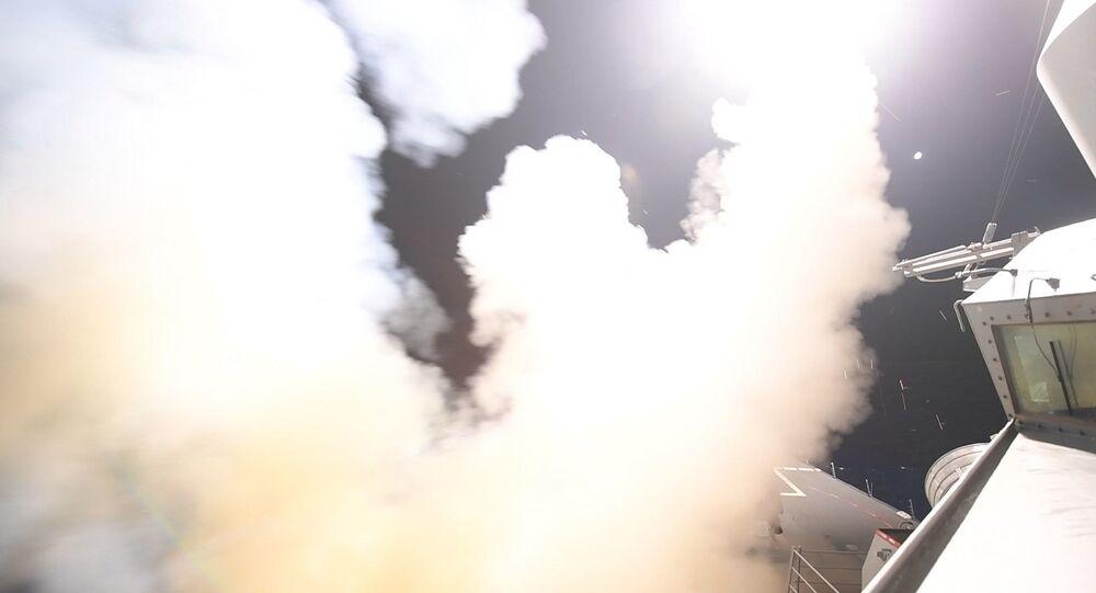 الجيش الأمريكي أطلق 59 صاروخا على قاعدة جوية سورية