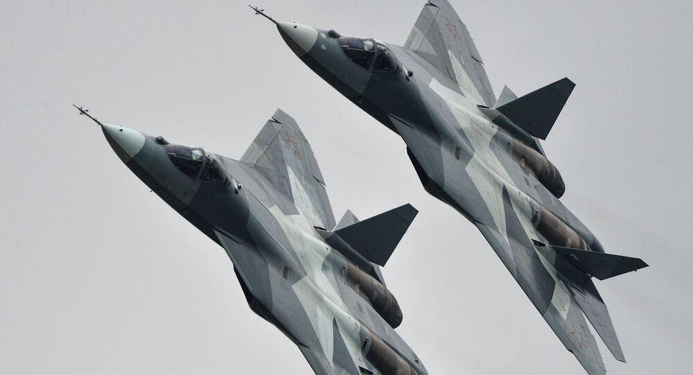 طائرتان من طراز تي-50