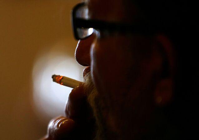 تدخين التبغ