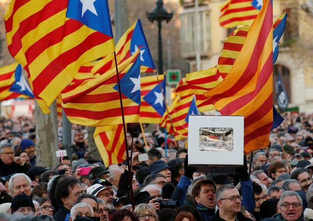 متظاهرون من كتالونيا