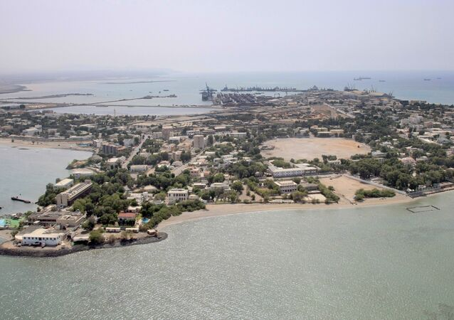 جيبوتي الدولة العربية الواقعة على الساحل الشرقي للقارة