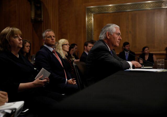 وزير الخارجية الأمريكي في لجنة العلاقات الخارجية بمجلس الشيوخ