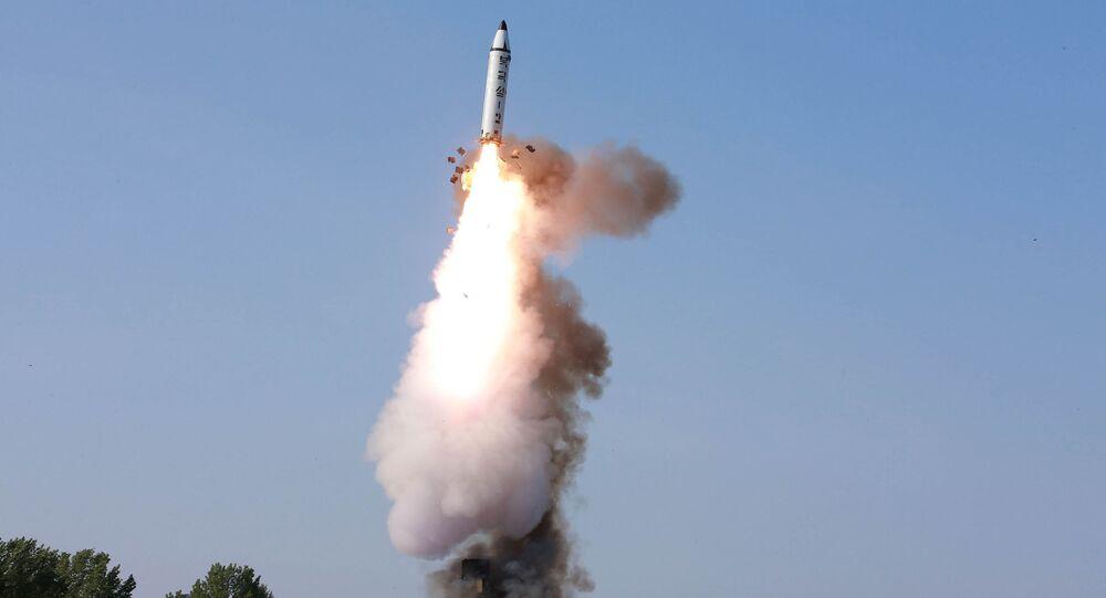 إطلاق صاروخ بالستي في كوريا الشمالية